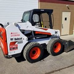 Bobcat S 550 Skid Steer With Smooth Edge Bucket