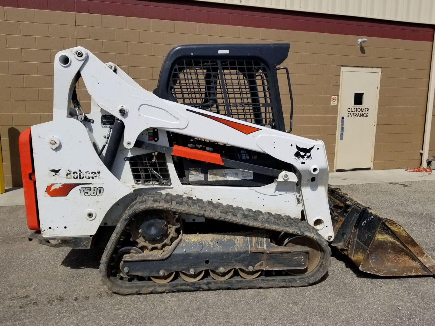 How to Safely Operate a Bobcat Skid-Steer Loader